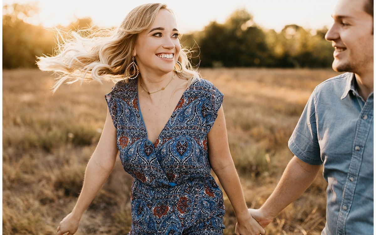 City + Prairie Engagements in Downtown Fort Worth, Texas | Ellie + Jonathan