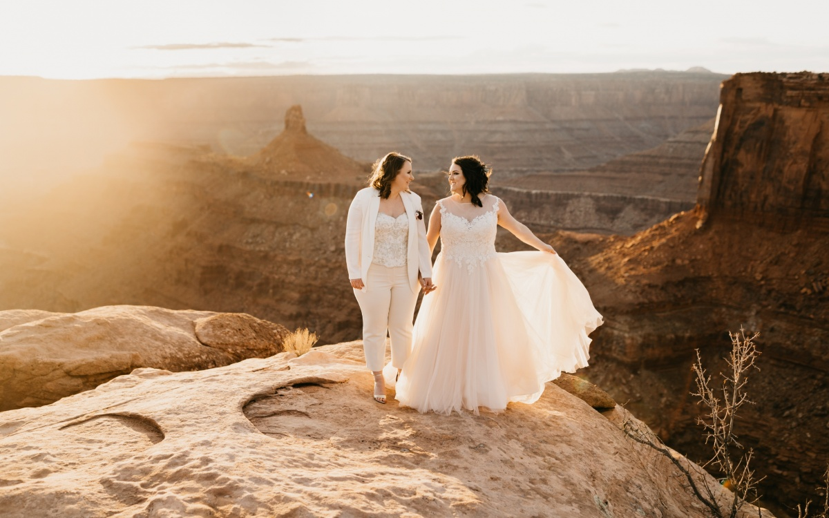 Intimate Moab Wedding at Dead Horse Point | Rachel + Brynne