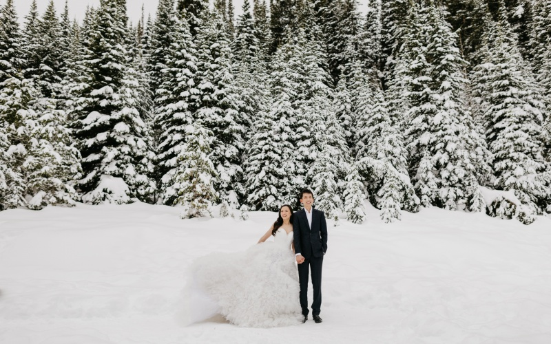 Singaporean Pre-Wedding Session in the Snowy Utah Mountains | Sun Yang + Wen Qiang
